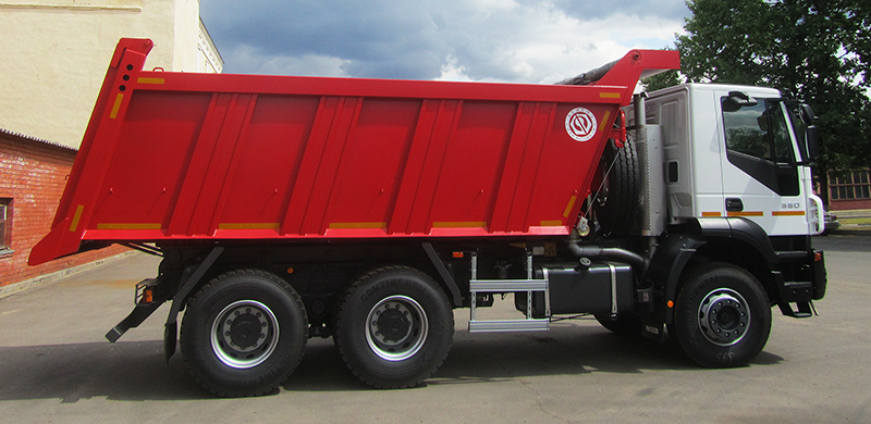 BCM-124SN ISTRA dump truck for inert materials on IVECO Trakker 6x4 chassis