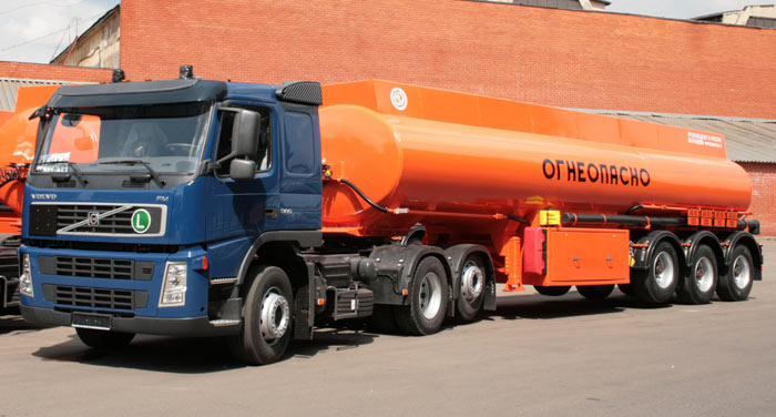 BCM-180 tank semi-trailer for light petroleum products, Al