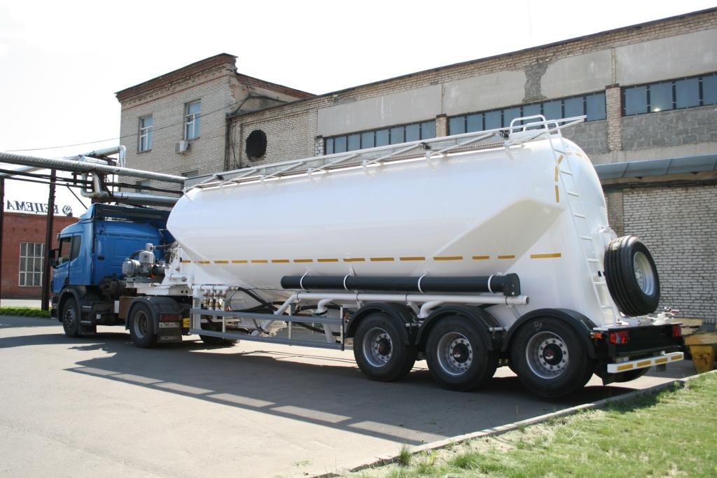 BCM-150.2 tank semi-trailer for flour, grain, feed stuff