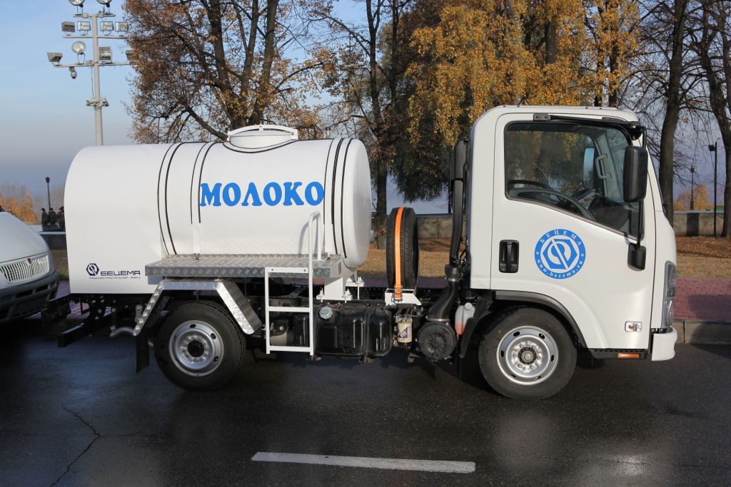 BCM-227 tanker truck for liquid foodstuff
