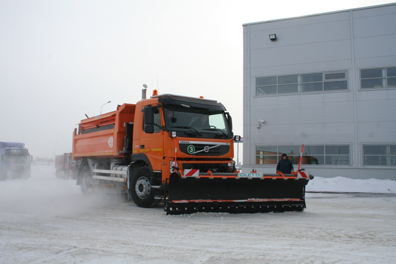 BCM-241 dump truck for inert materials and for mounting of multipurpose road maintenance equipment