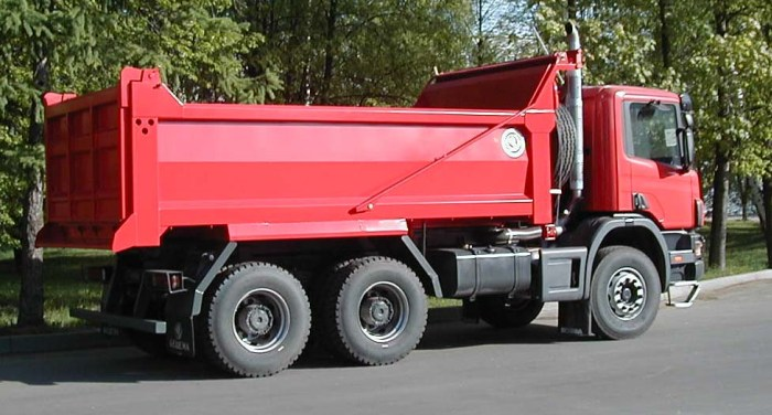 BCM-56 dump truck for inert materials on RENAULT P380 CB 6x4 EHZ chassis