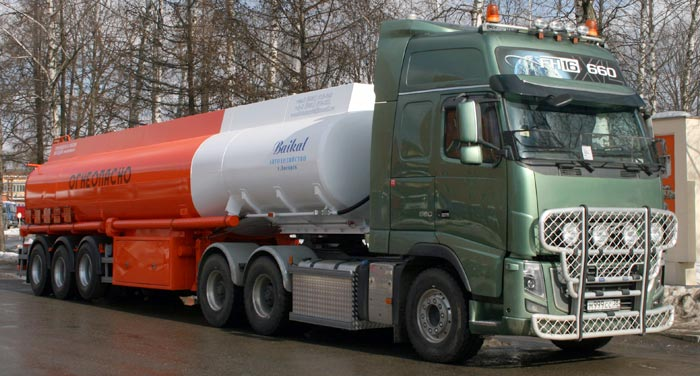 BCM-176 tank semi-trailer for light petroleum products, capacity of 40 м3