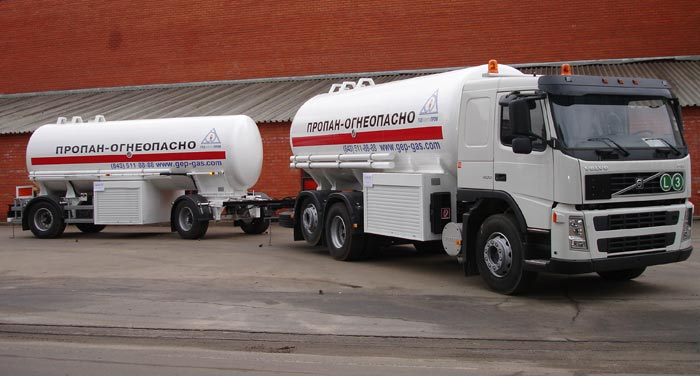 BCM-169 + BCM-170 road train for LNG